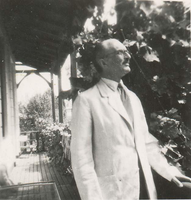 Paweł Starzeński, dyplomata, deputowany, przez 3 lata był sekretarzem ministra spraw zagranicznych Józefa Becka. Ok. 1939.